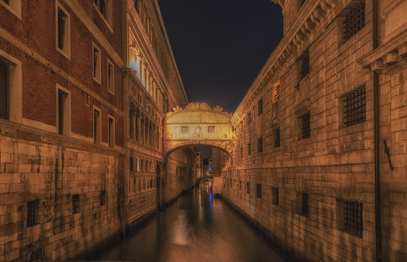 Architecture Transportation Brick Wall Travel Incidental People Nature History Water Reflection Travel Destinations City Canal Illuminated Building The Past Building Exterior Arch Architecture Built Structure Night