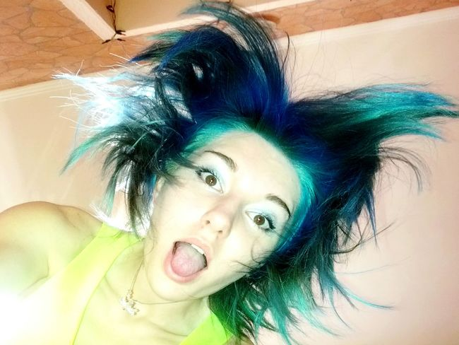 *0* перекрасил волосню в голубой Me New Color Hair Blue Hair Happy :)