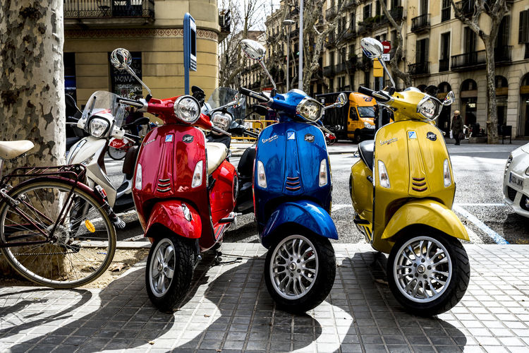 catalunya. The Week on EyeEm Barcelona Barcelona Streets Catalonia Catalunya Independence SPAIN España Fotodecalle Mode Of Transport Motorcycle Outdoors Scooter Street Streetphotography Transportation