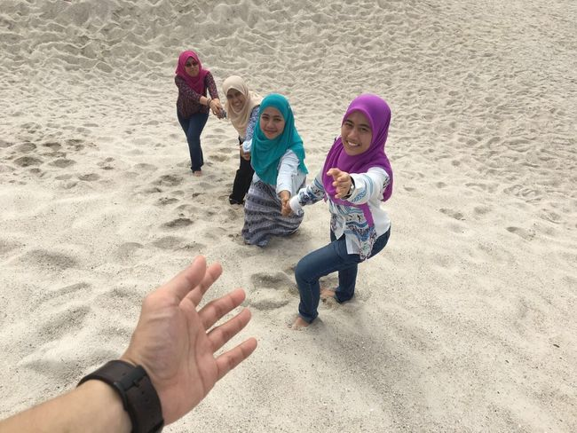 Togetherness Bonding Beach Happiness Outdoors Portrait Visitmalaysia Leisure Activity Sand Family Vacations Real People Chemistryftphysics Malaysia
