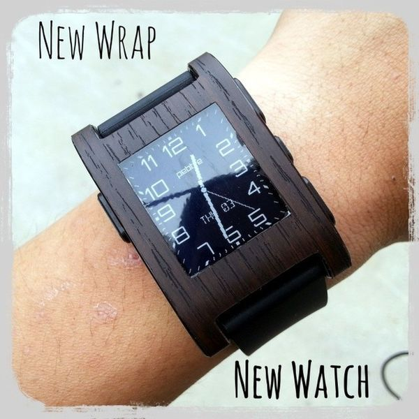 Decided to change things up, rocking a classier look for my pebble, credits to @gadgetwraps Pebble Pebblewatch Wraps