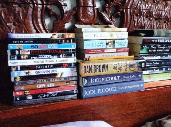 Mis colecciones. DVD Books Collections Favorites Me Bookworm Movielover Homebuddy Free Time Relax