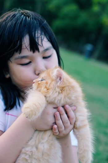 Check This Out Hanging Out Hello World Hi! Relaxing Enjoying Life Outdoor Photography Kid Loving Pet Kitten Cat Cute Adorable