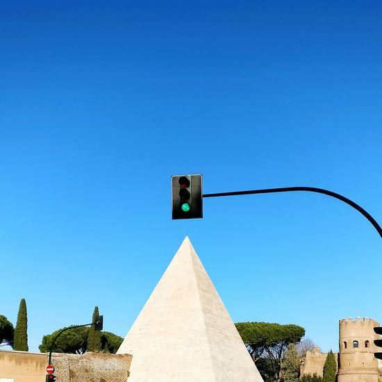 Clear Sky Traffic City No People Sky Outdoors Day Contrast Newandold Piramide Rome Skyporn Bricks Adapted To The City