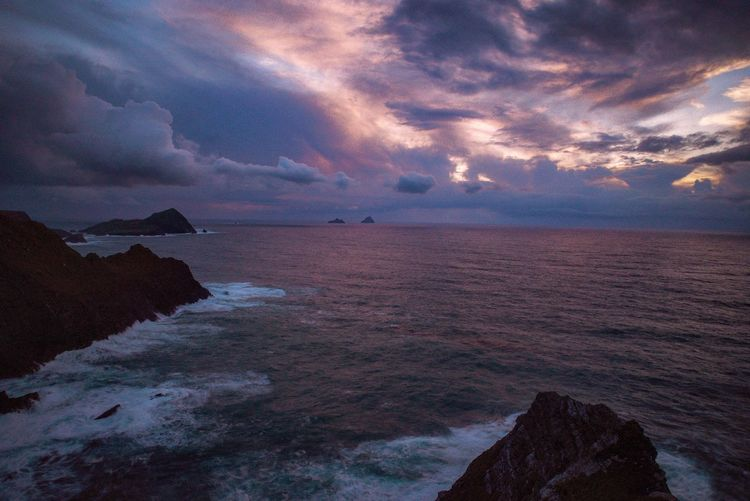 Skelligmichael EyeEm Best Shots EyeEm Nature Lover Outdoors Sky Cloud - Sky Beauty In Nature Water Sea Scenics - Nature Tranquility Tranquil Scene Nature Rock Solid Rock - Object Horizon Over Water Idyllic No People Outdoors Dramatic Sky Land