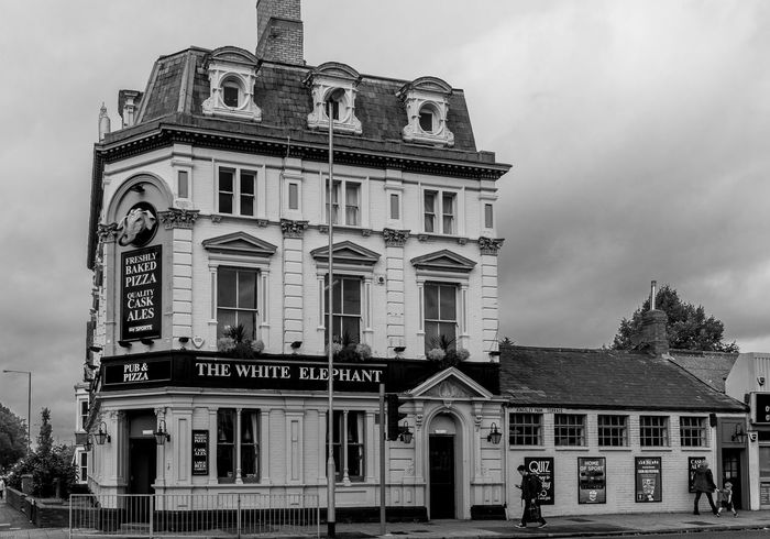 The White Elephant, Kettering Road, Northampton Black And White Architecture Northampton Northampton Pubs