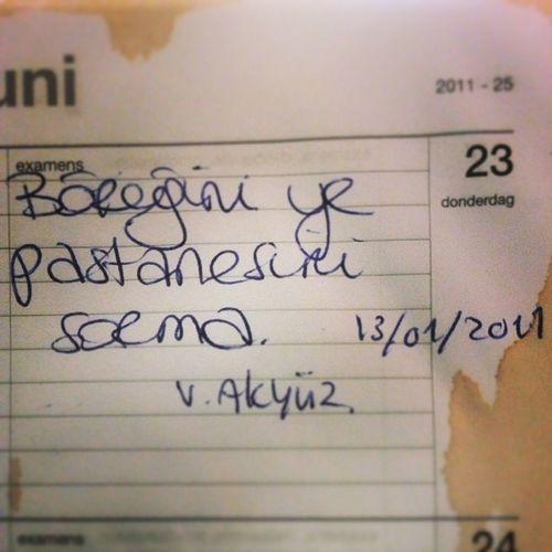 Notlari duzenlerken Vecdi Akyuz hojanin bu sozunu gordum hahaha hatirliomusun @ayperiperi ^_^ iyi demis Börek Pastane Guzelsoz ilahiyat 2011