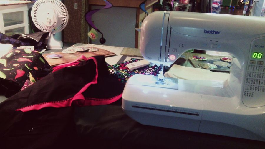 My Job Sewing Machine Sewing Brother Sewing Machine Hand Made Aprons For A Friend Enjoyable Job I Love My Job