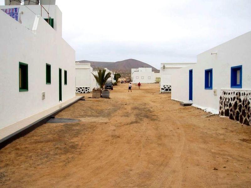 Calles de la Graciosa SPAIN España Taking Photos Españoles Y Sus Fotos Streamzoo Family Pictureoftheday Nofilter Noedit Canary Island Islas Canarias Lanzarote Island Lanzarote La Graciosa Paradise