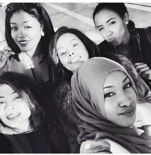 RePicture Friendship Photoofday Gorgeous Girls AtSkyGarden Goodtimes✌