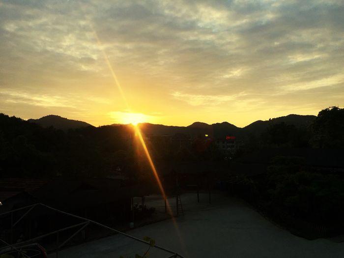 阳光。。。 First Eyeem Photo