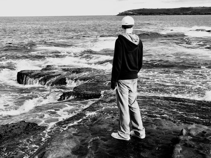 TCPM Sea Wave Standing Horizon Over Water One Person Rocks Thoughtful Tide Coming In Peaceful Moment Water One Man Only Beauty In Nature Nature Ocean TCPM Sydney, Australia EyeEmNewHere The Portraitist - 2017 EyeEm Awards The Week On EyeEm