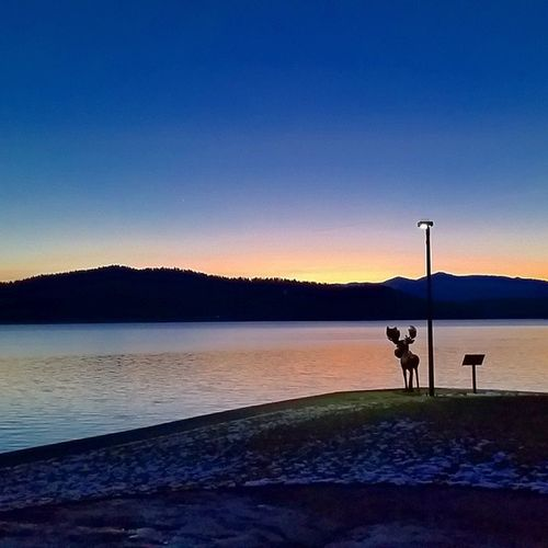 Sun came out today. Sunset over LakeCoeurdalene Northwest Cda Enjoythelittlethings