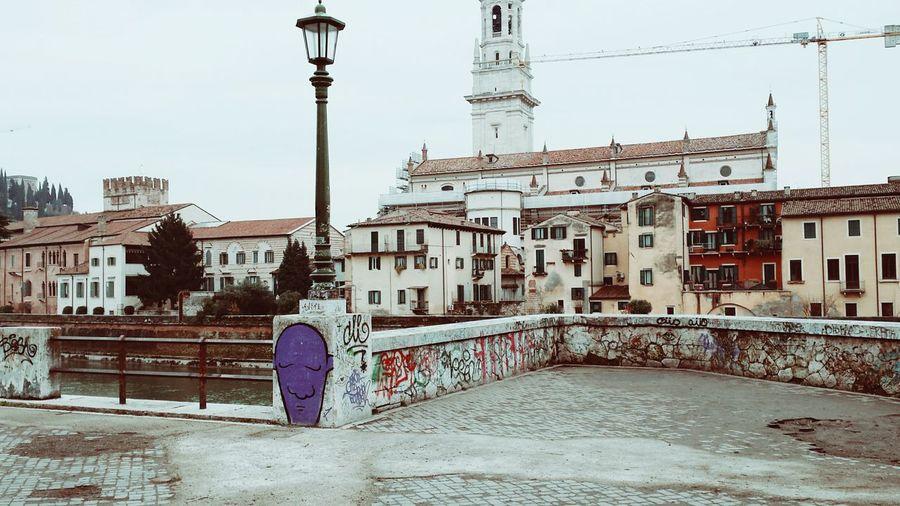 Verona City Life Relaxing Hello World Picoftheday Photooftheday Graffiti