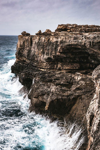Sea Water Rock Beauty In Nature Rock Formation Rock - Object Sky Nature Scenics - Nature Solid Cliff Day Motion Land Non-urban Scene No People Tranquility Horizon Geology Outdoors Horizon Over Water Eroded Power In Nature Formation Marine Rough Sea Rough Waters