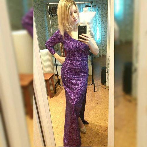 Я влюбилась в это платье!😍😍😍 Модель доступна для заказа. Так же возможно исполнение в золотом цвете. пошивплатьев пошивназаказ пошив вечернееплатье платьемечты платьеручнойработы дизайн шьюназаказ