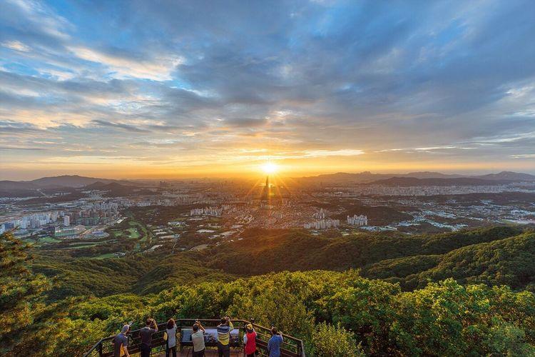 빛을 담는 사람들. Light Catcher City Sunset Landscape with Sony A7R and Canon EF16-35mmF4LIS USM