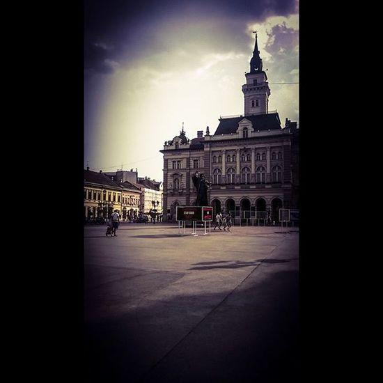 Novisad Vojvodina Day Sky Beautiful Beautifulday City Citybestpics Town Miletic Statue Trgslobodenovisad