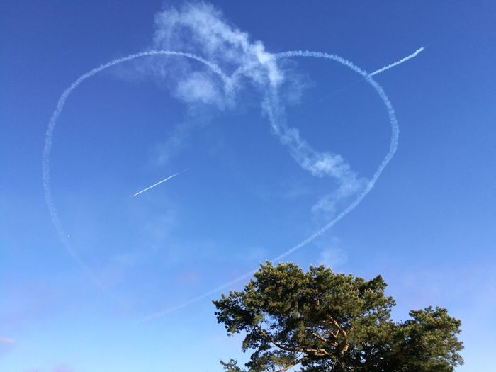 Red arrows 💘 Vapor Trail Sky Airplane Airshow