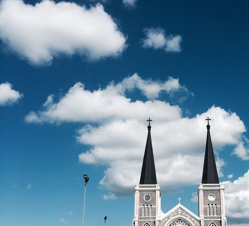Sky Low Angle View Architecture Cloud - Sky Building Exterior Built Structure Religion Day No People Place Of Worship Outdoors Spirituality Nature Old Cross Architecture Church