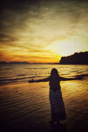 My Time Is Now Great Morning Beautiful Sunset The Beauty Of Krabi EyeEm Best Shots Gpmzn Leica Photography. Shot With A Leica Leica Lens Beauty In Nature Good Mor Calm Romantic Sky Idyllic Focus On Shadow Ocean Sandy Beach Capture Tomorrow Moments Of Happiness