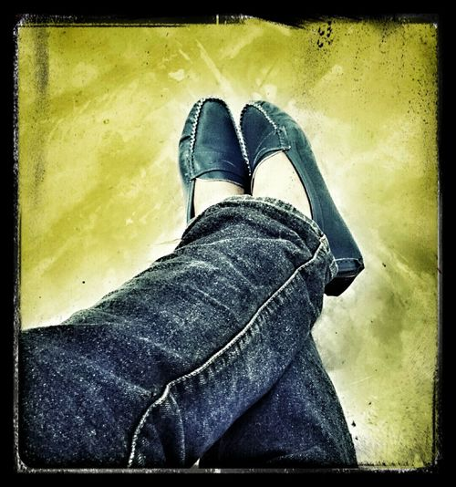 Mizz Nunuy Taking Photos My Flats Navy Blue