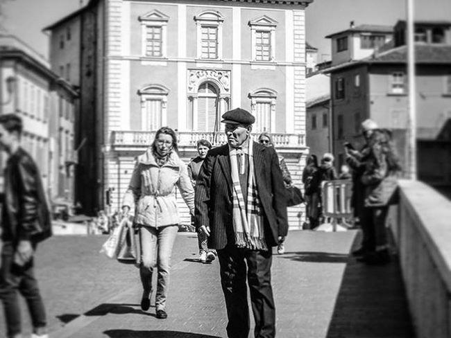 📷 Ponte Di Mezzo 24-03 Biancoenero Blackandwhite Bw Bnw Italy Italia Picoftheday Igersitalia Instagood Photooftheday Igerspisa Toscana Tuscanybuzz Tuscany Igerslivorno Igerstoscana Pontedimezzo Tramonto Ig_livorno