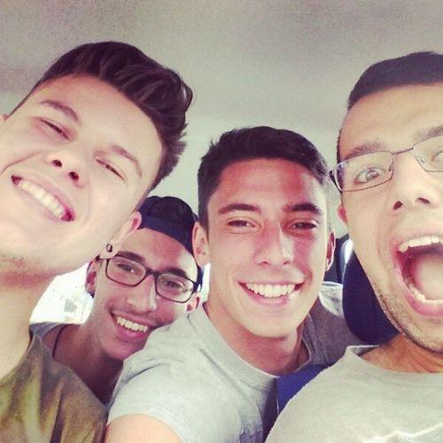 Selfie ignorante ! Selfie Selfiepower Selfieignorante Instaselfie Followme Amis  Friends Amici F4F L4l Likes
