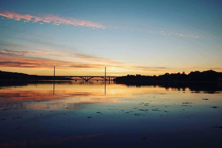 Crépuscule doré Sunset Water Bridge - Man Made Structure Sky Reflection Connection Outdoors River Nature Scenics No People Beauty In Nature Transportation Tranquility Day First Eyeem Photo Lost In The Landscape