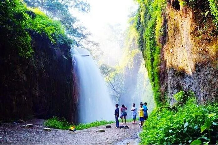 Water Nature Scenics Beauty In Nature Real People Tree Summer Outdoors Waterfall Motion Horizontal Sky Day People Person Adult