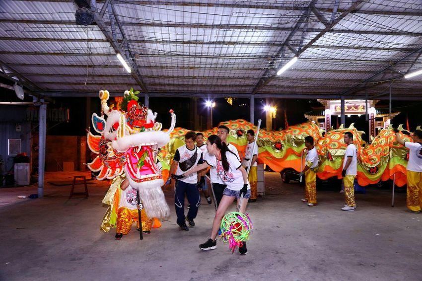 整裝待發 - 金龍開光 Dragon dance parade Night Lights Light And Shadow Light And Shadows Things I Like Showcase April Dragon Dance Parade EyeEm Gallery EyeEm Masterclass Yeung Uk Tsuen Yuen Long Hong Kong