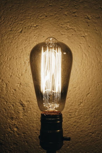 💡 Light And Shadow Light Illuminated Light Bulb Electricity  Inspiration Fuel And Power Generation Innovation Lighting Equipment Close-up