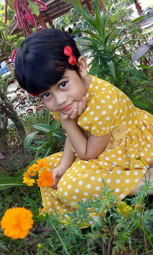Yellow dotted flower dress Yellow Color Polka Dot Flower Yellow Flower Kid Smile ✌ Cutekid EyeEmNewHere Women Around The World