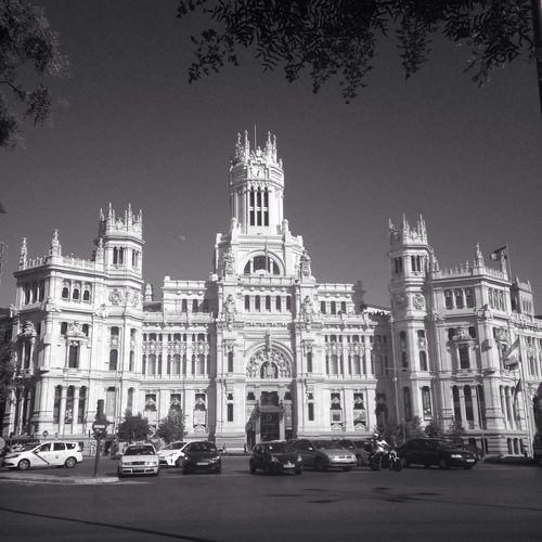 Centro Cibeles Centro Cibeles Madrid Spain Architecture Building Exterior Built Structure Sky Outdoors Travel Destinations Travel History Land Vehicle City Day Clear Sky Statue Tree No People