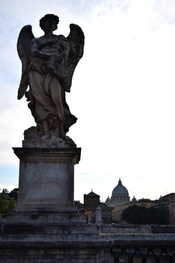 Roma Rome Italy🇮🇹 Angel Sculpture In The City Marmol Famous Place Clouds Photography Ancient Architecture The Week Of Eyeem Photographer Old Stone Walk Exploring Picoftheday Streetphotography Photooftheday Sculpture Mastery Sculpture Center White Bricks Bridge