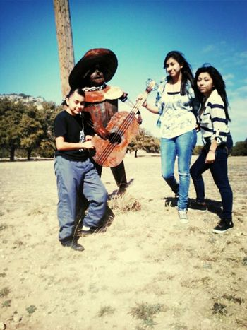 me, Yesenia, Nena chilling with da amigo :D lol