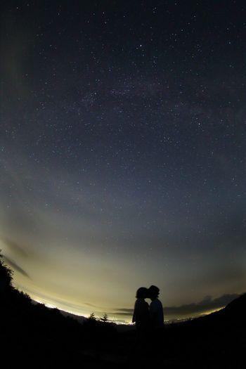 Stars Kiss Nightphotography Beauty In Nature Love Couple Starynight Night Milkyway