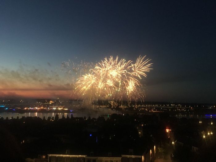 Fireworks 4daagse Waalbrug Nijmegen Illuminated Night Sky Event Arts Culture And Entertainment Firework Celebration