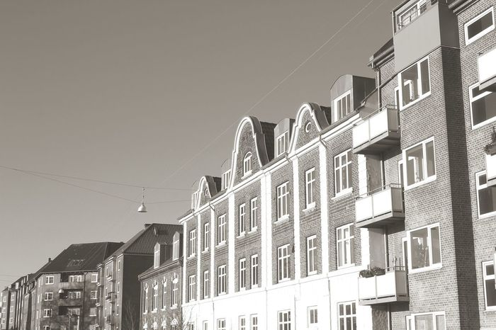 Window Clear Sky Residential Building House Architecture Apartment Building Exterior Outdoors Low Angle View City Day No People Sky The Graphic City