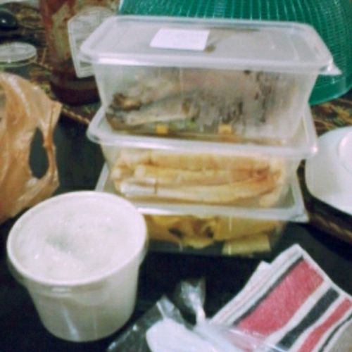 A take-out food from Bigby's :-* Back -a-ByeBaby(Ribs) TripleDeckerClub Foods GettingBackMyEnergy GoofbyeFever Happy KainPoTayo Share Lovelovelove <3 Instagram Instashare Filter Photogrid