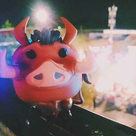let's party Pumbaa Party Nightlife Drunk Drink Lionking Toy Figure Light Me