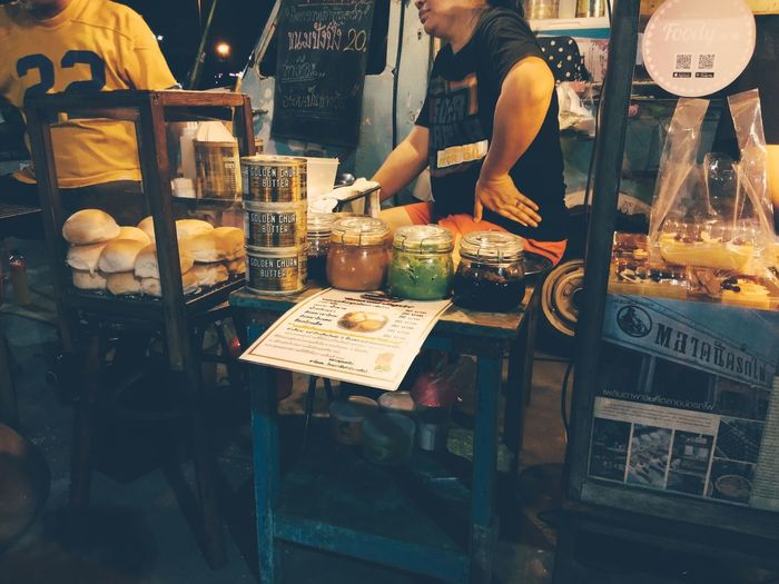 Bakery Drink Cafe Human Hand Market Store Retail  Price Tag Men For Sale Display Macaroon