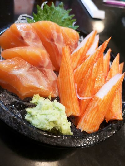 Food Food And Drink Healthy Eating Wellbeing Freshness Close-up Plate Seafood Indoors  Ready-to-eat Salmon - Seafood No People Japanese Food Fish Still Life Vegetable Raw Food Asian Food SLICE Sashimi  Tray Vegetarian Food