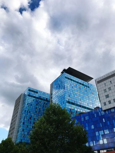 LONDON❤ ❤️eastlondon Royal London Hospital Whitechapel Home Of London Air Ambulance Stormy Skies Blue Building Owned By Skanska Rented By NHS ❤️NHS Keep NHS Public London Air Ambulance PFI NHS Debt Scandal Amazing Hospital Staff No Filter