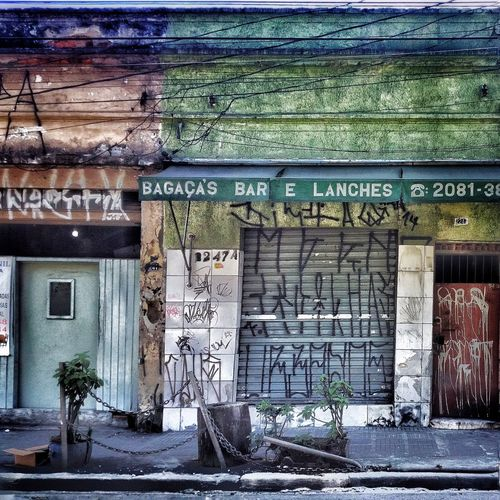 Streetphotography Sao Paulo - Brazil Shootermag Streetphoto_color Mobgraphia Shootermag_brasil Urbanphotography Beauty Of Decay RadialLeste