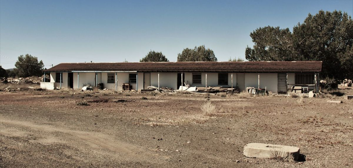 Abandoned Building Exterior Disused Building Empty Motel No People Obsolete Route 66 Seen Better Days Trash Urban Exploration