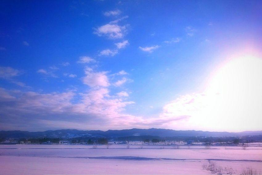 いつかの冬の朝。 Blue Sky Landscape Sunlight Sun Scenics Beauty In Nature Black_chica1707 Hokkaido Hokkaido,Japan Chica's Sky Skyscape The Week Of Eyeem EyeEmNewHere EyeEm Best Shots EyeEm Selects Skyscraper Sky_collection Landscape_photography Rural Scene Nature Chica's Winter Winterscapes Snowlandscape Winter