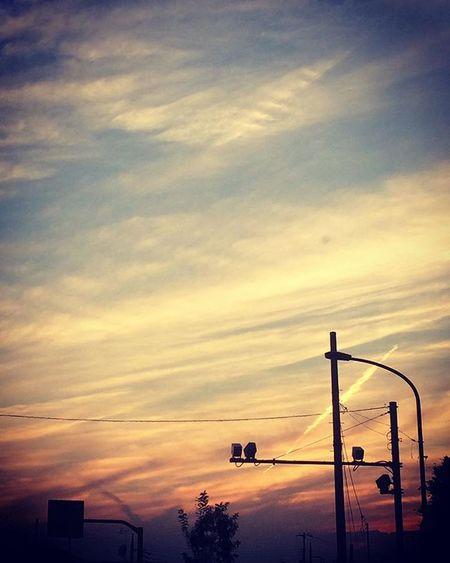 2015.09.22 . きれいな夕焼けでした . . イマソラ カコソラ Igで繋がる Sky そら部 ダレカニミセタイソラ イツカミタソラ イマソラジャナイケド 夕焼け 夕日 夕陽 飛行機雲