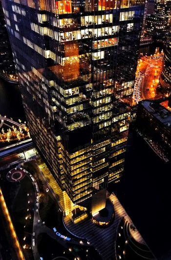 Crisp view tonight , TGIF 🎇🎇🎇🎇 Cold Temperature Cityscape City Nightphotography Night Chicago Skyline Chicago Architecture_collection Architecture Sky Skyscraper Glow Glowing Lights Night No People Indoors  Illuminated Close-up Reflection Autumn Mood