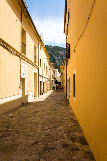 Alleyway Architecture Building Building Exterior Canon Canon5Dmk3 Canonphotography Europe Exploring Long Goodbye Mallorca Mediterranean  Outdoors Sky SPAIN Spanish Streetphotography Sun Sunny Day 🌞 Town TOWNSCAPE Travel Destinations Urban Urban Geometry Yellow